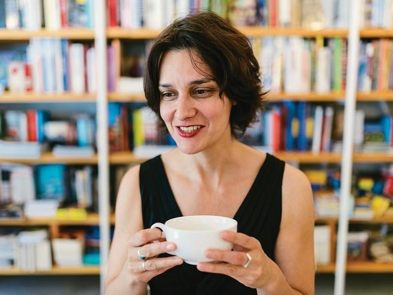 """O carte despre noi. INTERVIU EXCLUSIV Katja Petrowskaja, autoarea volumului """"Poate Estera"""""""