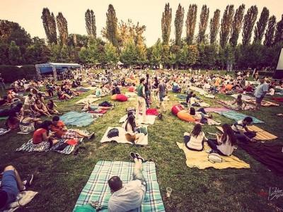 Evadare în filme premiate și jazz la Marele Picnic cinematografic al verii: Grădina Botanică București e cinema outdoor pe 29 și 30 iulie