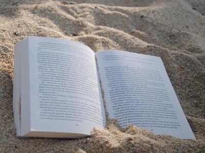 Geanta de plajă cu cărți