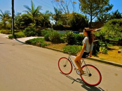 7 reguli de știut când mergi cu bicicleta