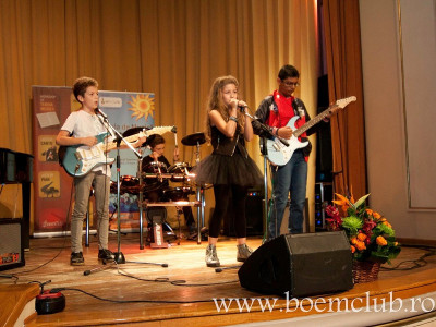 Două zile de concerte, testări de piane şi abilităţi muzicale alături de Boem Club