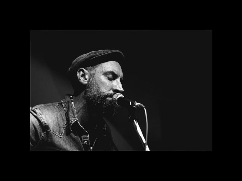 Artistul britanic FINK revine în concert la Bucureşti