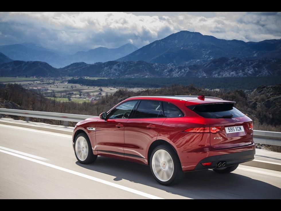 Jaguar F-PACE - o sinteză a sportivității, eleganței, funcționalității și eficienței