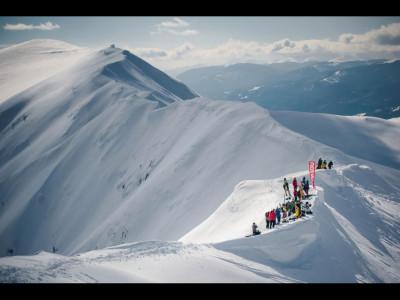 Cei mai tari snowboarderi își dau întâlnire la Red Bull Oslea Hiride 2017