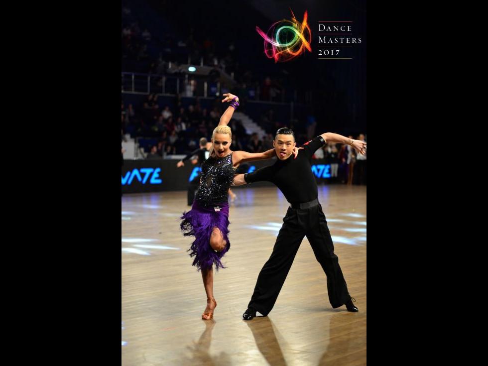 Revedeți DanceMasters! Înregistrările strălucitoarelor Gale pe DIGI 3 și 4