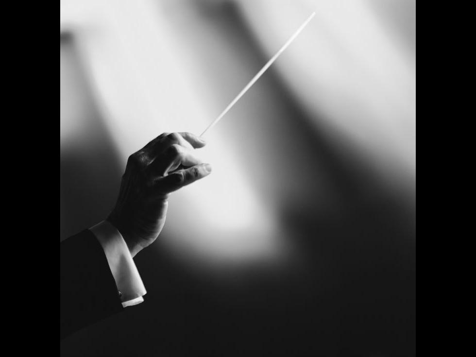 Dirijorul Christian Badea aduce la Ateneu un program de muzică vieneză