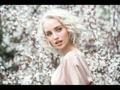 Recomandări de beauty pentru o primăvară colorată, dar mai ales parfumată