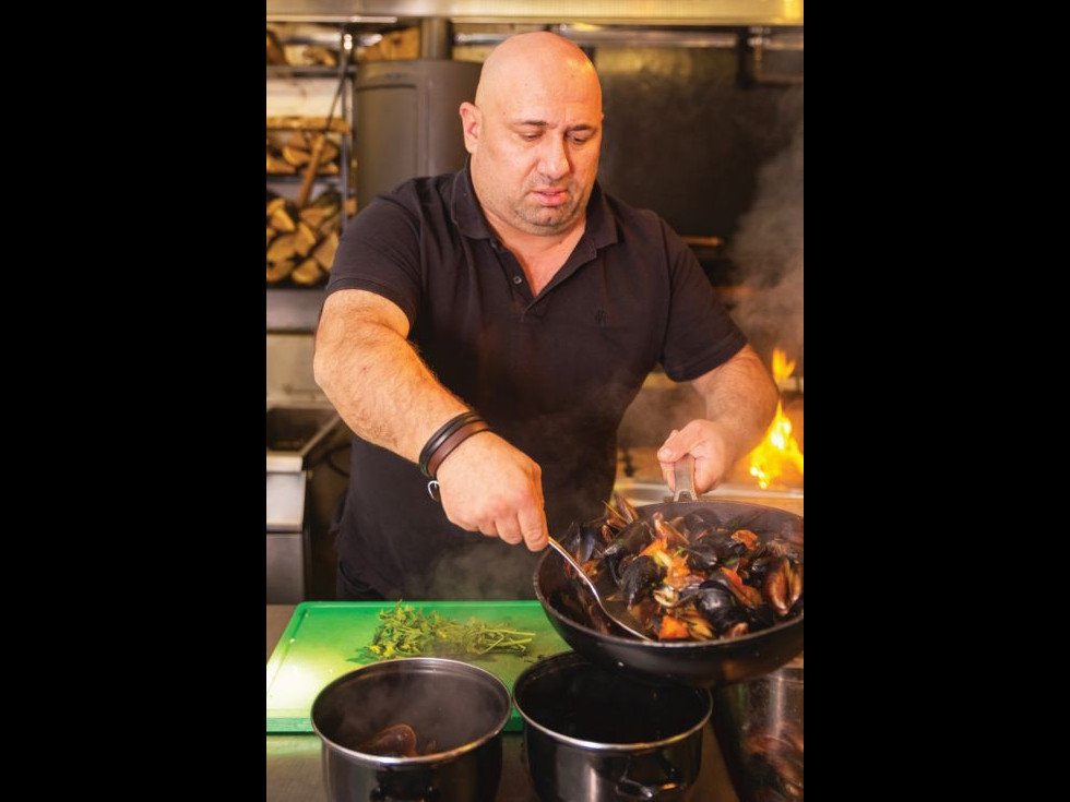 4 reţete simple şi gustoase recomandate de Chef Scărlătescu