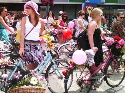 Biciclistele din Capitală se pregătesc de cel mai mare eveniment dedicat lor, Cycle Chic Festival