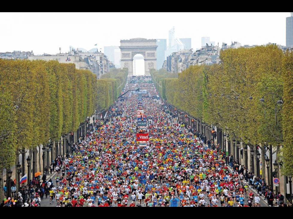 Maratonul Paris 2017, câştigat de soţ şi soţie, în cel mai romantic oraș al Europei