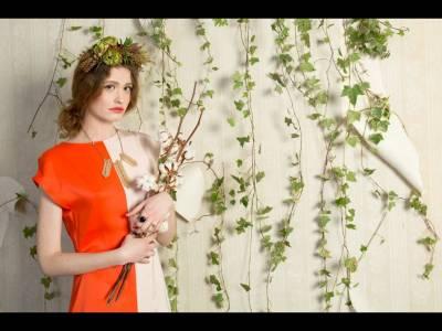 Cea mai nouă colecţie Lucia Roşca propune o călătorie printre culori îndrăzneţe