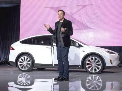 Elon Musk îl părăsește pe Donald Trump