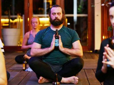 Noul trend în Australia: Beer Yoga