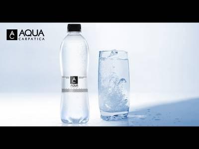 Cum poate apa minerală carbogazoasă să evidențieze aromele preparatelor și ale băuturilor?