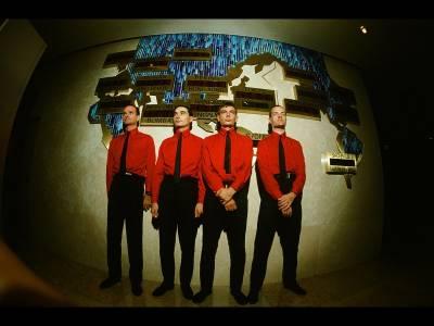 Kraftwerk revin în România pentru a doua oară
