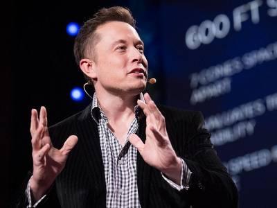Musk este pionierul camioanelor
