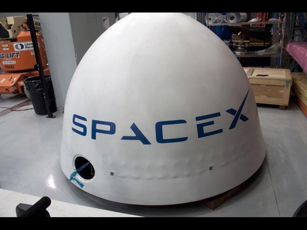SpaceX, racheta în al cărei bord se află o Tesla Roadster