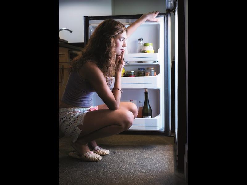 Îţi poţi oare controla foamea excesivă?