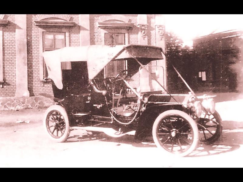 O sută de ani cu mașini românești