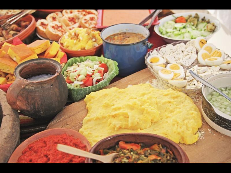 Ce nu lipsește de la mesele festive românești?