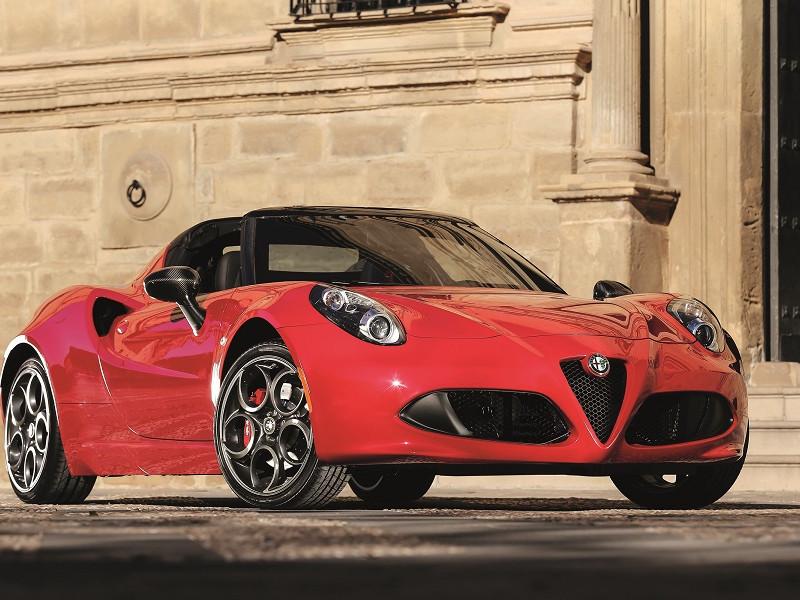 Alfa Romeo 4C Spider Clasa pregătitoare de la Ferrari