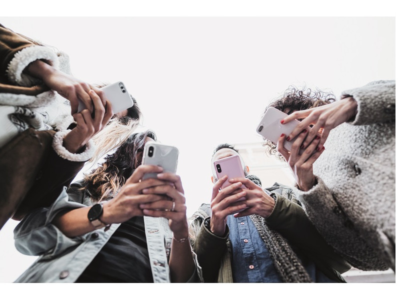 Mid-range revolution: cele mai bune telefoane sub 1.500 de lei