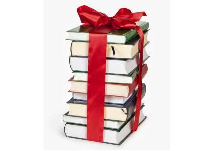 7 cărţi de Crăciun, povești de citit și oferit lângă bradul de Crăciun