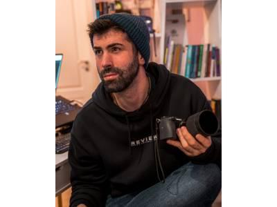 Sunt @victor_voice și sunt filmmaker și creator de sketch-uri comice – Portret de TikToker