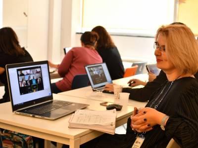 Avenor College vine cu soluții pentru continuarea cursurilor în mediul online, gratuit pentru toate unitățile de învățământ