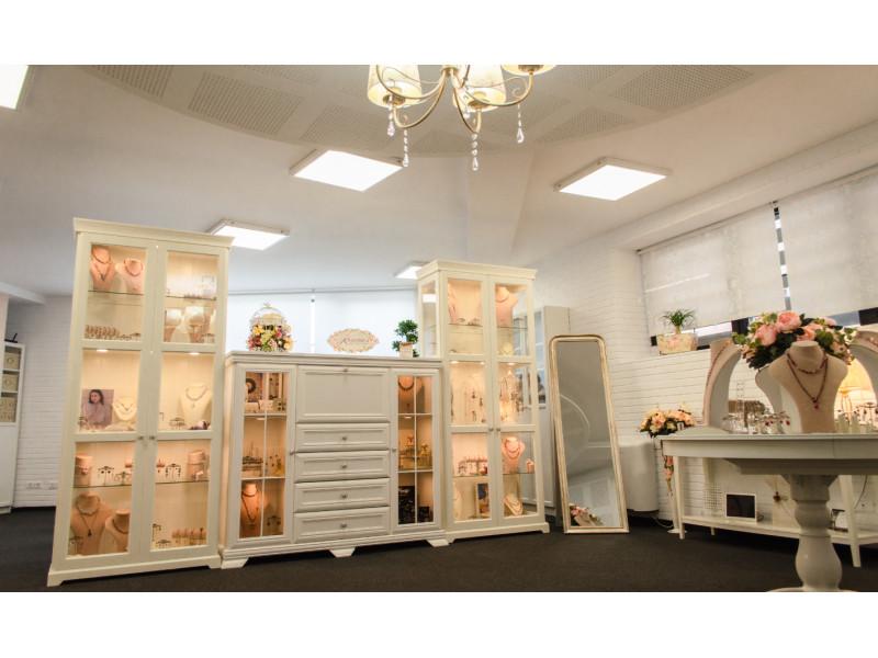 Roxanne's Jewellery & Giftware investește într-un concept special de showroom, axat pe cumpărături private sigure