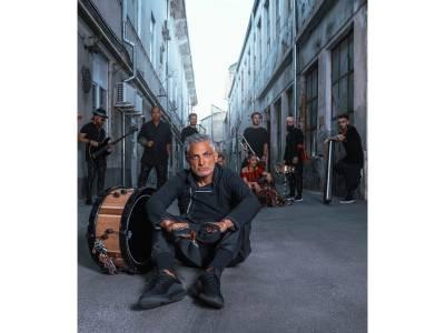 """Concertul Damian Drăghici & Brothers """"Mulţumesc! #Iamgrateful"""" va fi susținut în aer liber, la Arenele Romane din Capitală, în perioada 28-30 septembrie"""