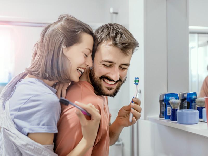 Sănătatea orală pierde din importanță în contextul unei îngrijorări tot mai mari privind sănătatea generală: Peste jumătate (56%) dintre respondenții celui mai recent studiu demarat de Colgate în Europa nu obișnuiesc să își înlocuiască periuța de dinți