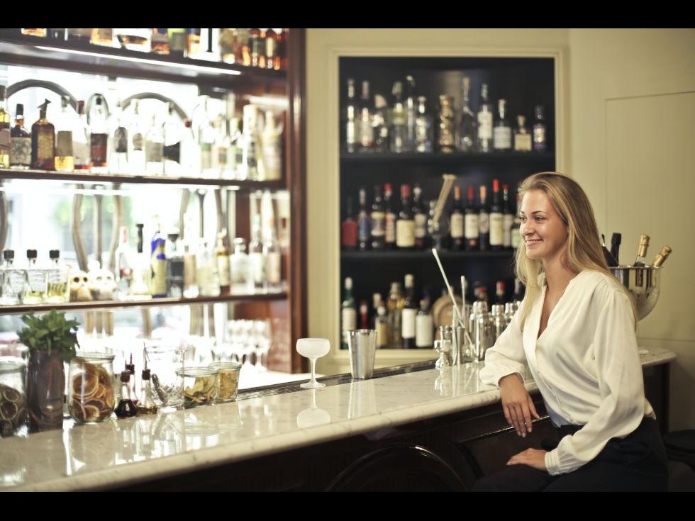 Cum va poate ajuta o vitrina de bauturi sa sporiti profitul localului dumneavoastra?