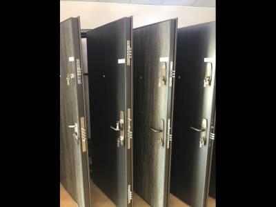 Cum să îți securizezi apartamentul cu o ușă metalică de interior