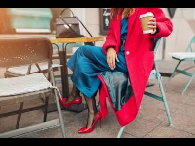 Hainele la modă nu trebuie să fie scumpe. Verificați colecțiile elegante pe Answear.com