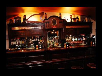 Deane's Irish Pub & Grill